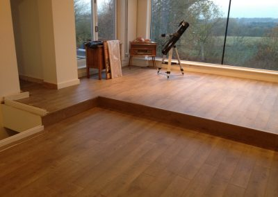 interior-mesmerizing-laminate-wood-floor-design-with-oak-wood-and-rectangular-shape-also-with-wall-curtain-window-laminate-flooring-choosing-best-wood-flooring-for-your-modern